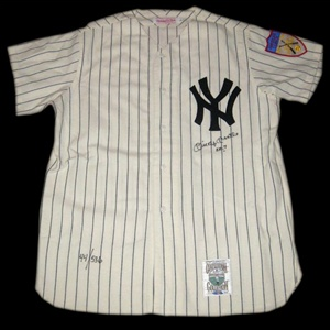 Upper Deck Authenticated Mickey Mantle No. 7 Autographed New York Yankees Mitchell & Ness Pinstriped Flannel Replica Jersey (Limited Edition #44/536) (UDA)